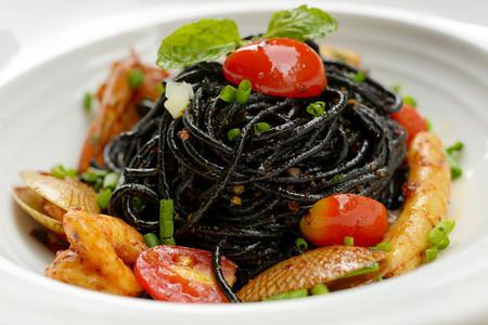 spaghetti sauce: Black spaghetti sauce, chili, seafood.