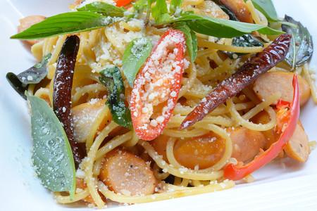 dry sausage: asia hot spaghetti dry chilli bacon sausage