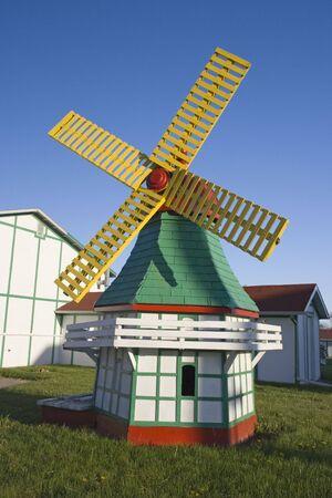 elk horn: Poco molino de viento en Elk Horn, Iowa.