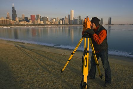 Land Surveying in Chicago. 免版税图像