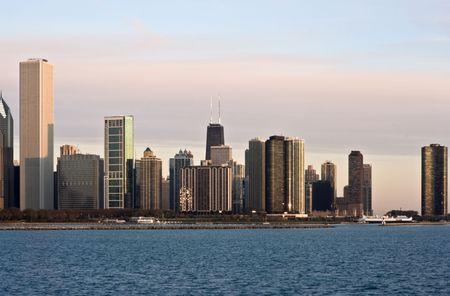 cna: Primi raggi di domenica a Chicago, IL.