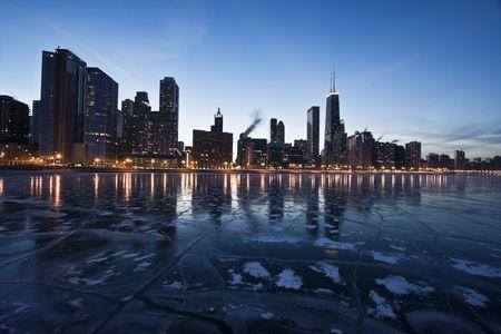 cna: Noche en el centro de Chicago, Gold Coast.
