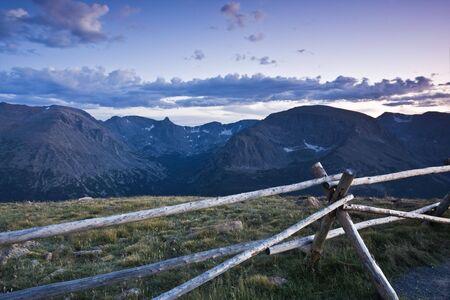 rocky mountains colorado: Sunset in Rocky Mountains - Colorado.