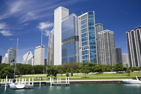 aon: Beatiful day in Chicago, IL.