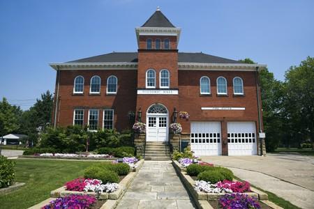 estacion de bomberos: Hist�rico Hall y la estaci�n de bomberos en la independencia, Ohio  Foto de archivo
