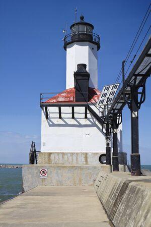 lake michigan lighthouse: Faro de Michigan City. Indiana, Estados Unidos.