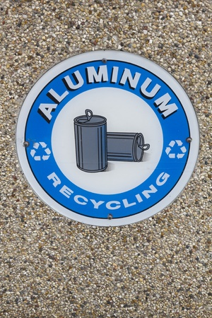 Aluminium Recycling - sign on the wall Stock Photo - 9388514