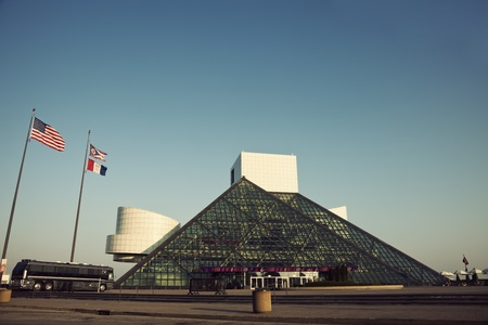 De Rock and Roll Hall of Fame and Museum in Cleveland, Ohio, USA Stockfoto - 10052049
