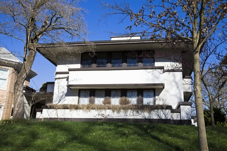 Frankfort, Kentucky, USA - April 03, 2010: Jesse R. Zeigler House in Frankfort, Kentucky. House designed by Frank Lloyd Wright and built in 1910. 新聞圖片