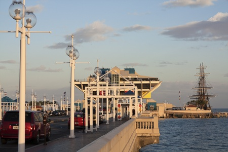 fl: Road to the Pier in St. Petersburg, Florida.   Editorial