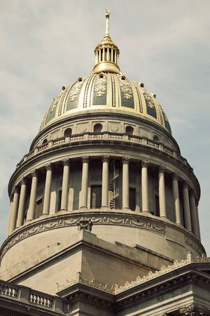 west virginia: State Capitol Building in Charleston, West Virginia