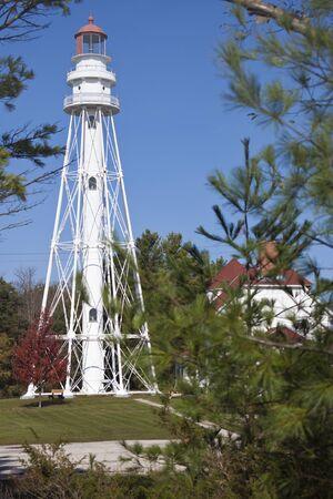 lake michigan lighthouse: Rawley Lighthouse Point por el lago Michigan en Wisconsin