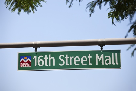 16th street mall: 16th Street Mall - one of the main streets in downtown of Denver