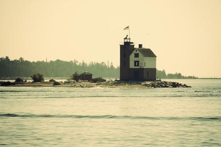 lake michigan lighthouse: Round Island Lighthouse por Mackinac Island - Lago Huron.