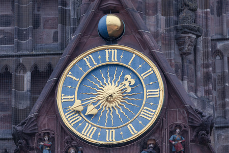 nuremberg: The Frauenkirche - Church of Our Lady with the clock - The M�nnleinlaufen. Nuremberg, Bavaria, Germany