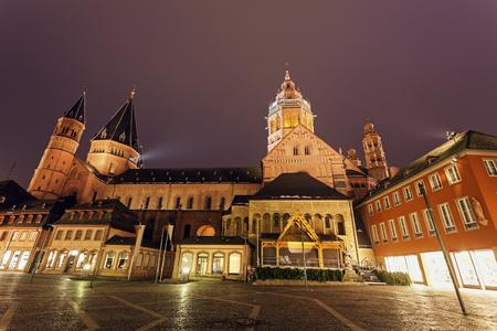 dom: Mainzer Dom St.Martin. Mayence, Rhénanie-Palatinat, Allemagne Banque d'images
