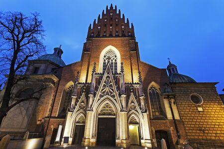 Holy Trinity Church in Krakow at night. Krakow, Poland 版權商用圖片