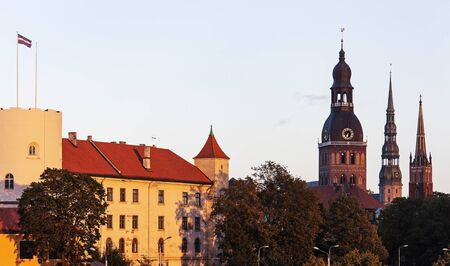 Horizonte de Riga. Riga, Letonia. Foto de archivo - 54893377