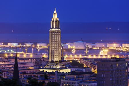르 아브 르의 파노라마 밤입니다. Le Havre, 노르망디, 프랑스 스톡 콘텐츠