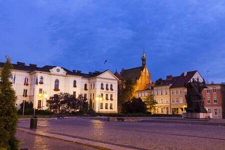 night dusk: Old town square and City Hall in Bydgoszcz. Bydgoszcz, Kuyavian-Pomeranian, Poland. Stock Photo