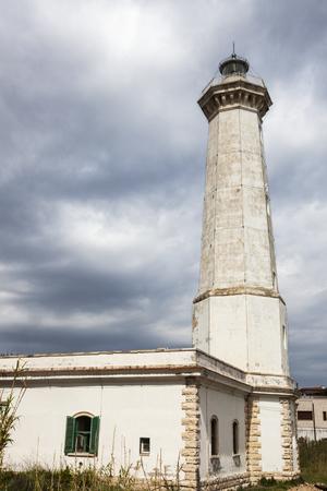 토레 칸느 등대. 토레 칸느, 아풀 리아, 이탈리아 스톡 콘텐츠
