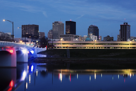 Skyline of Dayton at night. Dayton, Ohio, USA. Stockfoto