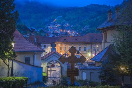 Architecture of Brasov at night. Brasov, Brasov County, Romania. Stockfoto