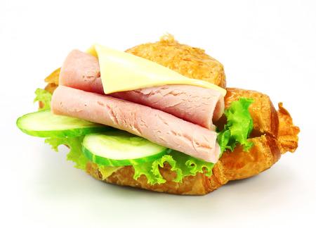 jamon y queso: sándwich con jamón, queso en el fondo blanco