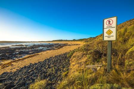 australia beach: No access sign: beach penguin parade, Phillip Island Nature Park, Australia. Beach and nature reserve of the blue penguins, in Victoria, Australia.
