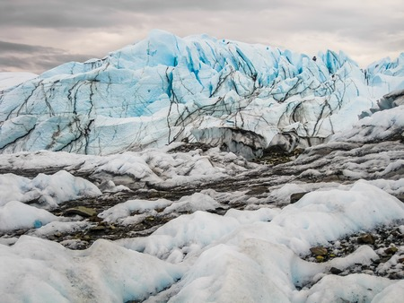 anchorage: Spectacular river water caused by the melting of the Matanuska Glacier in summer, Matanuska Glacier State Recreation Area, just two hours from Anchorage in Alaska, USA.