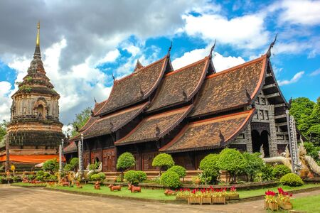 molee: The spectacular Buddhist temple, Wat Lok Molee, in the old city of Chiang Mai, Northern Thailand, Asia. Stock Photo