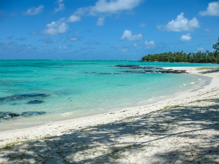 aux: The spectacular and idyllic white beach of Deer Island near Bellemare, located on the east coast of Mauritius, one of the main attractions.