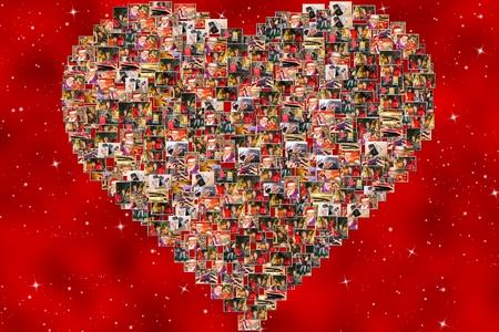 compras compulsivas: Fotos Collage de las expresiones de las mujeres con bolsas de colores y sombrero de Pap� Noel que hace compras de Navidad durante las rebajas, sobre fondo rojo. Foto de archivo
