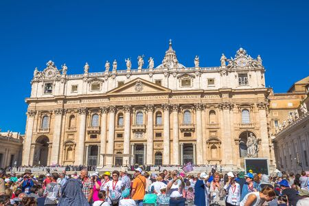 st  peter's basilica pope: Rome, Italy - June 18, 2016: Pope Francesco speaking to people in Piazza San Pietro for jubilee event. On background, the popular landmark of St. Peters Basilica. Editorial