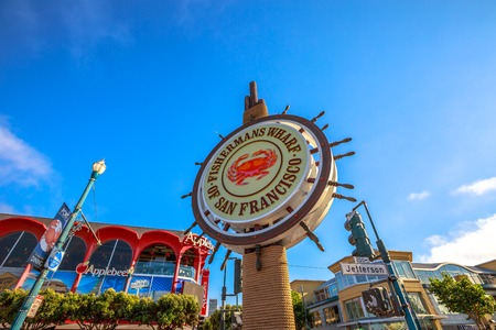 San Francisco, California, United States - August 14, 2016: signboard of Fishermans Wharf waterfront of San Francisco on Jefferson road. Blue sky background on sunny day. America travel tourism. 에디토리얼