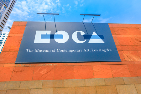 Los Angeles, California, United States - August 9, 2018: Moca signboard, Museum of Contemporary Art on Grand Avenue in downtown Los Angeles. 新聞圖片
