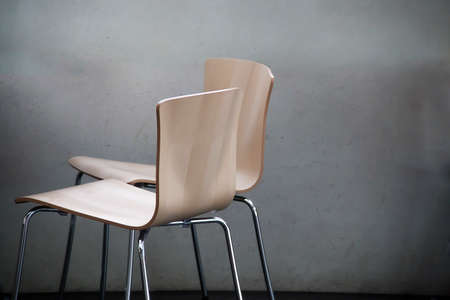 natural wood chairs Imagens