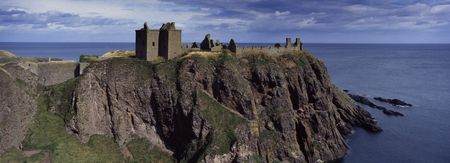 knew: Tantallon Castle a place very knew in scotland