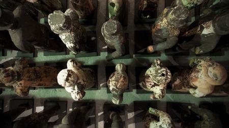 人々の木製の小さなヴィンテージ像。 写真素材