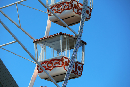 Vintage Retro Ferris Wheel With Colorful Cabins, Close Up View 스톡 콘텐츠