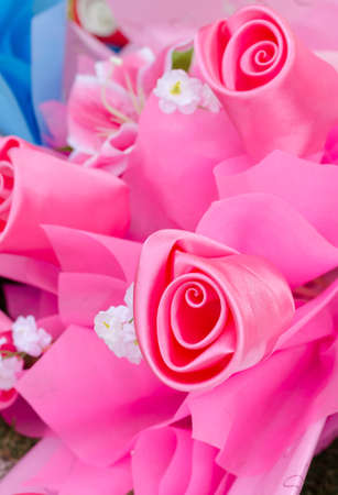 Artificial rose flowers bouquet made from satin cloth