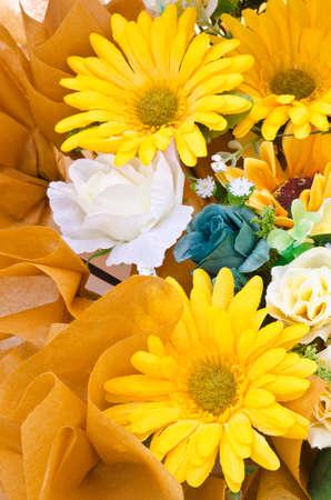 ramo de flores: ramo de flores artificiales Foto de archivo