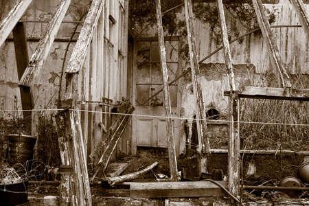 in disrepair: Un conservatorio caduto in rovina - 6642  Archivio Fotografico