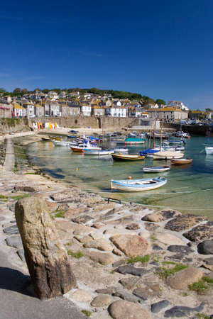 mousehole: MOUSEHOLE HARBOUR, CORNWALL, UK (10814)