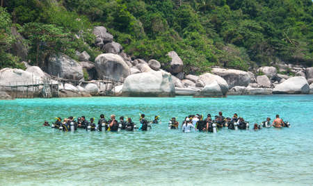 nangyuan: KOH NANGYUAN, THAILAND -MARCH 12: Unidentified Scuba group at Koh Nangyuan , Thailand on March 12, 2015. Koh Nangyuan is one of the most beautiful beaches for scuba in Thailand.