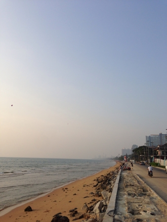 mirro: Pattaya and the beach