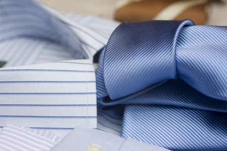 suit  cuff: Tie