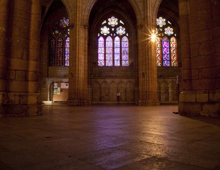 gothic castle: Interior de la Catedral de Le�n