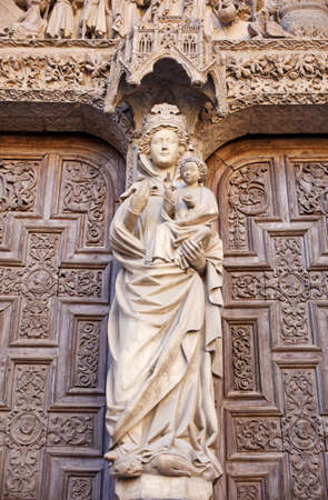 Statue of Virgin Mary, Leon's cathedral Stock Photo - 9813705