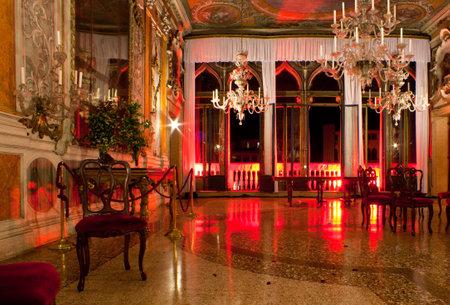 Intérieur d'une vieille maison baroque à Venise Banque d'images - 10004439